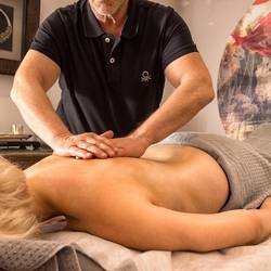 A relaxing full body massage in Hotel Hafen Flensburg.