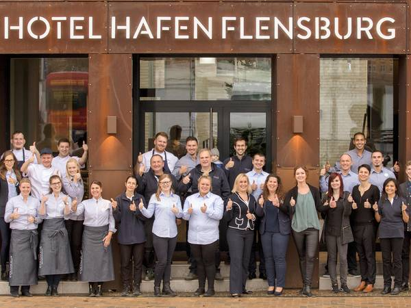 The crew of the Hotel Hafen Flensburg on the day of the opening.
