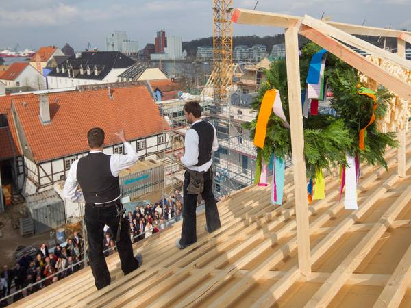 Hotel Hafen Flensburg topping out ceremony